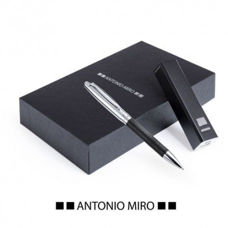 Set Power Bank by Antonio Miro