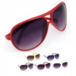 gafas de sol de diseño aviador.