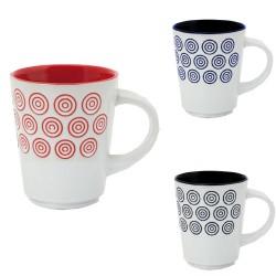 Taza de cerámica con divertidos diseños de circulitos en el exterior y el interior decorado con vivos colores