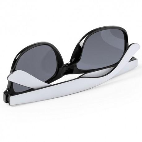 Gafas de sol con monturas bicolor. Color negro