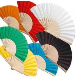 Abanico de madera y tela. Composicion: 16 varillas de madera y tela algodón / poliéster.